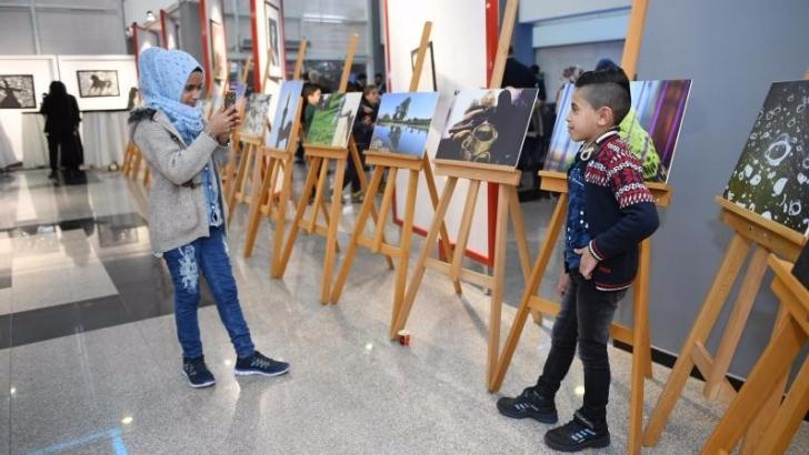 Suriyeli sığınmacı çocukların eserleri görücüye çıktı