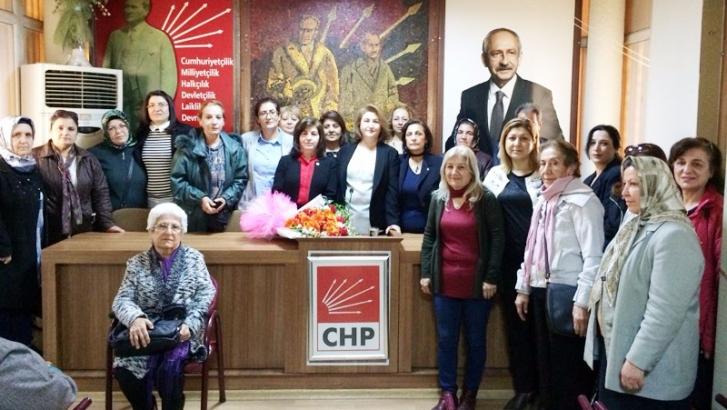 CHP kadın kollarında devir teslim