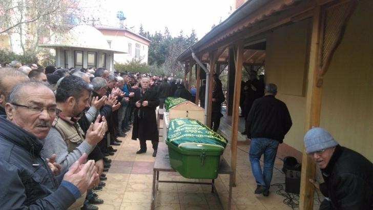 Soba faciasında ölen aile bireyleri yan yana defnedildi