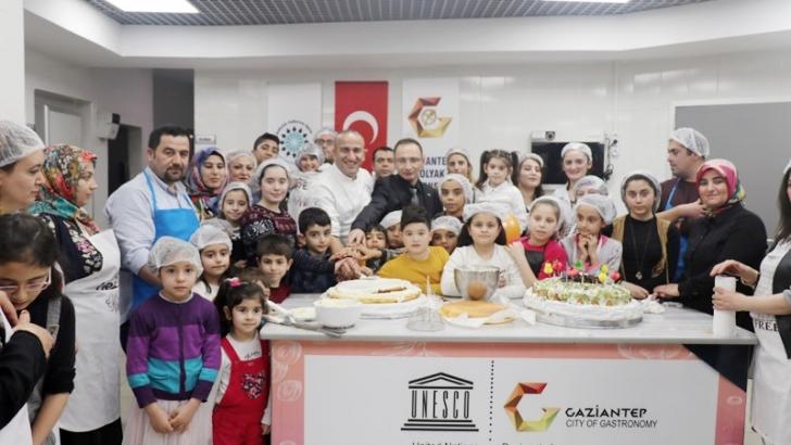 Çölyaklı çocuklara, glütensiz pasta sürprizi