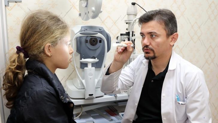 GAÜN'lü göz doktorundan büyük başarı