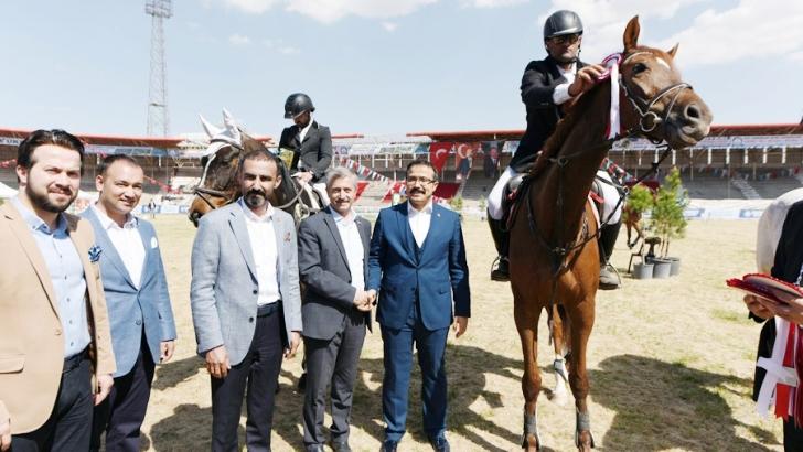 Şahinbey Belediyesi atlı spor dalında bir ilke imza attı