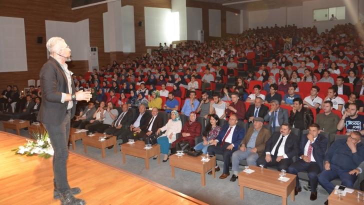 Oğuzeli Belediyesi'nden stand-up tadında seminer