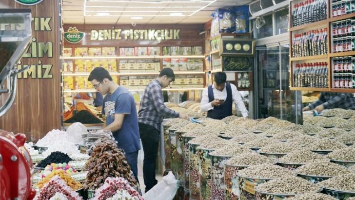 Antep fıstığının fiyatı arttı, satış azaldı