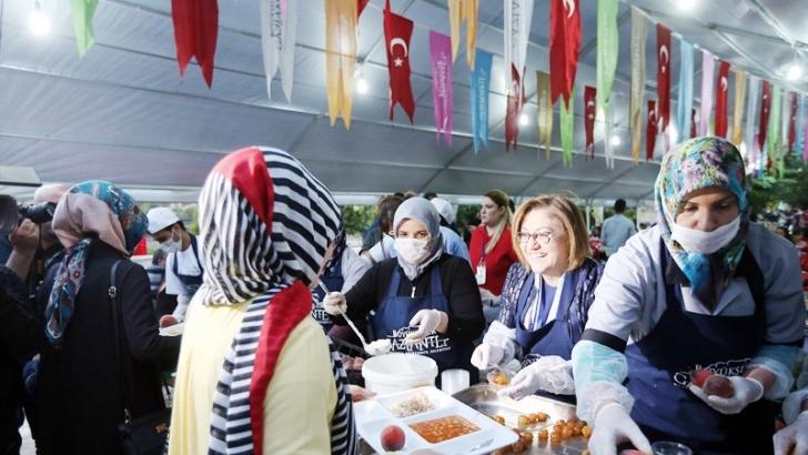 Şahin, ilk orucunu vatandaşlarla iftar çadırında açtı