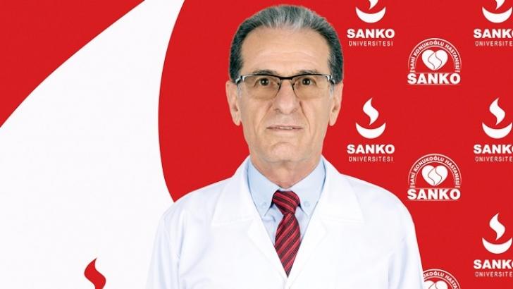 Prof. Dr. Ayaz, hasta kabulüne başladı