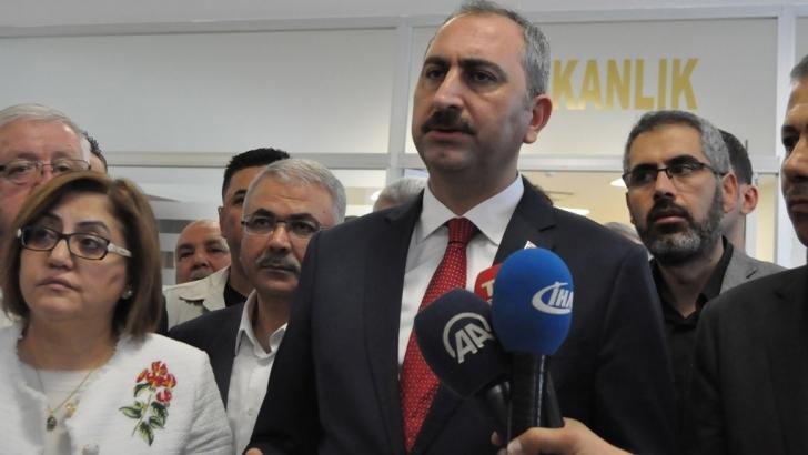 """Bakan Gül: """"Darbe girişimi davaları yıl sonuna kadar biter"""""""