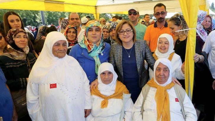 ŞAHİN, GAZİANTEP'TEN HACI ADAYLARINI UĞURLADI