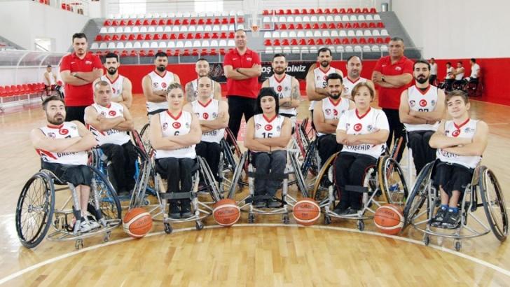 Basketçiler İzmir yolcusu