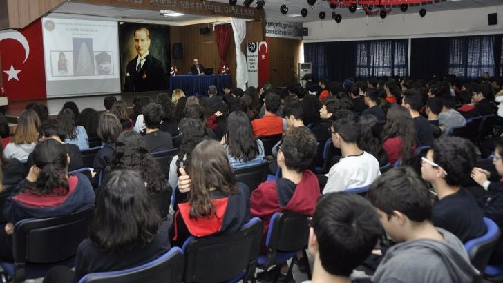 GKV'de Atatürk ve gençlik konferansı