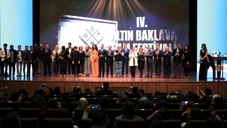 Altın Baklava Film Festivalinde ödüller sahiplerini buldu