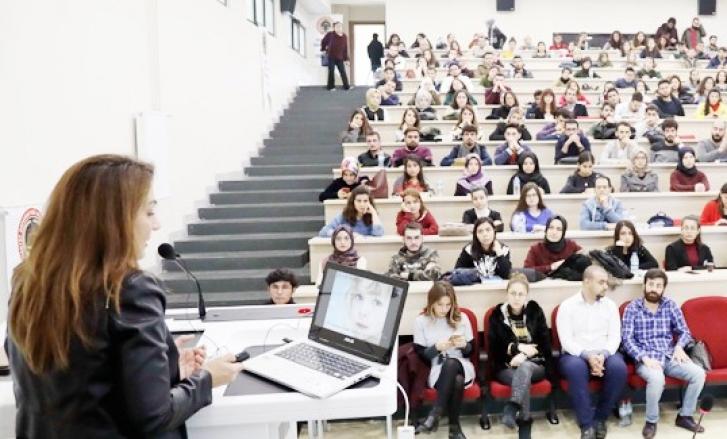GAÜN'de, Çocuk istismarı ve bütüncül yaklaşım konferansı düzenlendi