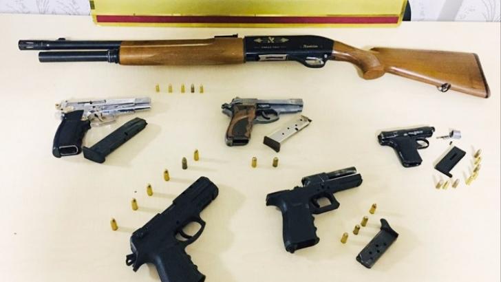 Ruhsatsız silah satışı yapan bayiye operasyon