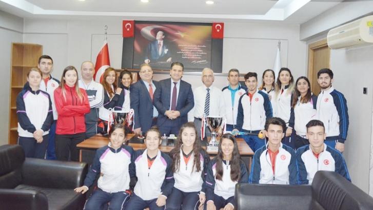 Gaziantep Polisgücü Türkiye'nin hokeyde ki dünya markasıdır