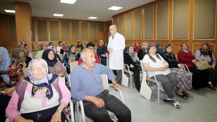 """GAÜN Hastanesi'nde """"Dünya Tiroid Günü"""" toplantısı"""