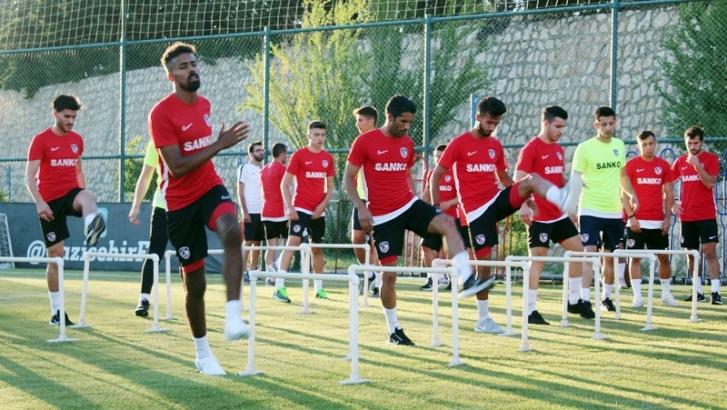 Gazişehir'de transfer haraketliliği