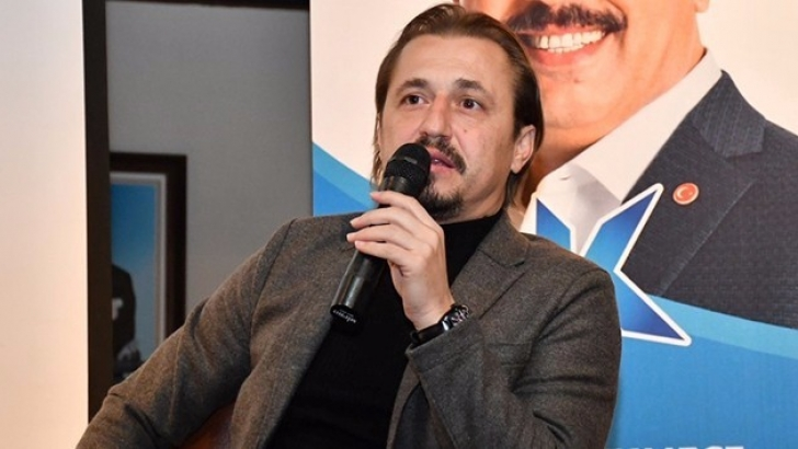 Ayhan Akman istifa etti