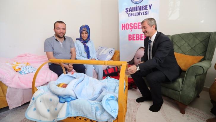 Şahinbey'den 110 bininci bebeğe 'hoş geldin' sürprizi