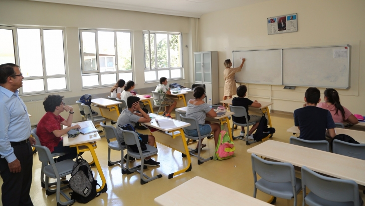 GKV LGS hazırlık kurslarını sürdürüyor