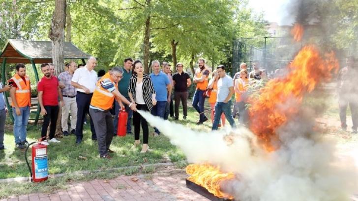 GAÜN'de yangın eğitimi