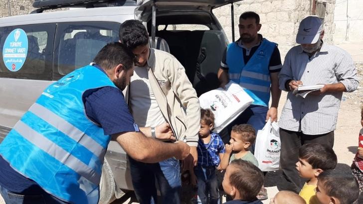 İmkander'den Suriyeli yetimlere kışlık yardımı