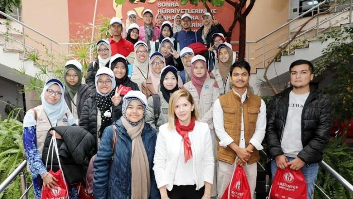 Malezya İslami Bilimler Üniversitesi Öğrencilerinden GAÜN'e ziyaret