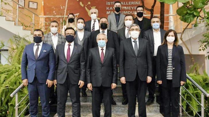 ÖZKEÇECİ'DEN REKTÖR ÖZAYDIN'A HAYIRLI OLSUN ZİYARETİ