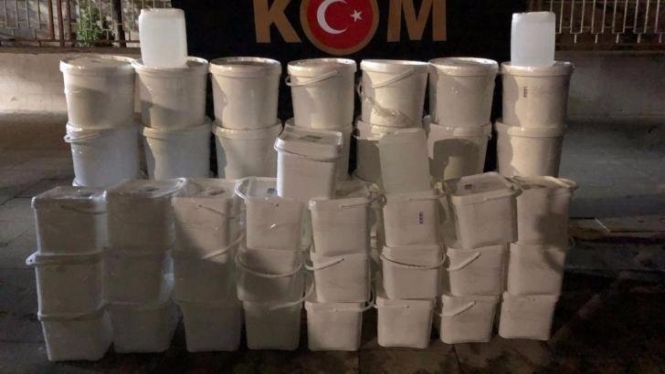 Bin 65 litre kaçak etil alkol ele geçirildi
