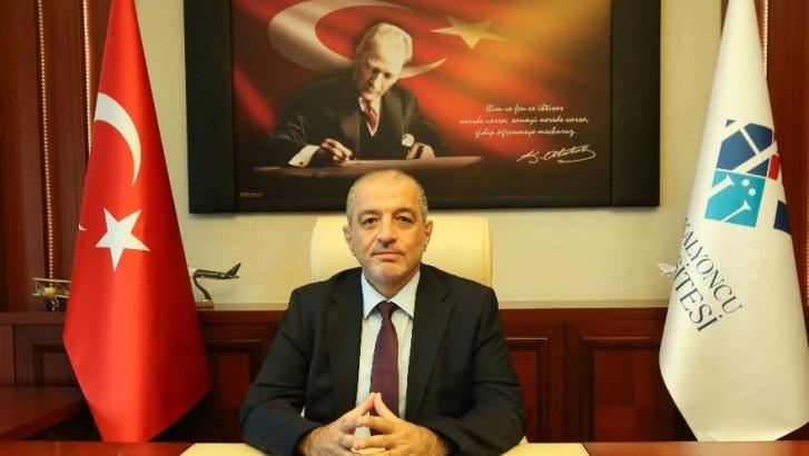 Rektör Dereli'den İstiklal Marşı'nın kabulü mesajı