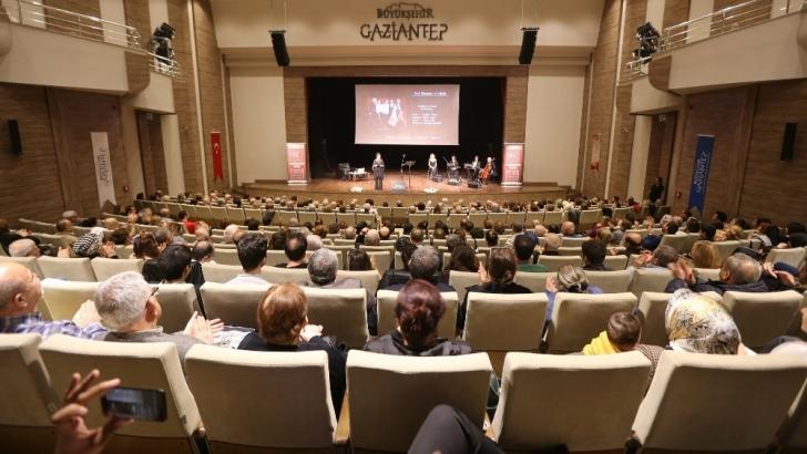 Gaziantep'te 27 Mart Dünya Tiyatro Gününde şehir tiyatrosu kuruldu