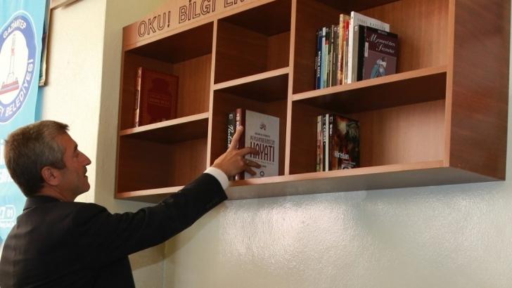 Şahinbey Belediyesi milyonlarca kitap dağıttı
