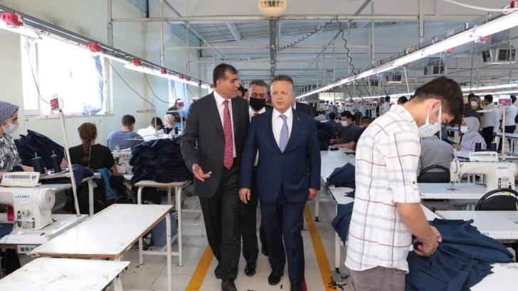 TİM Başkanı İsmail Gülle Aslankaya Tekstil'i ziyaret etti