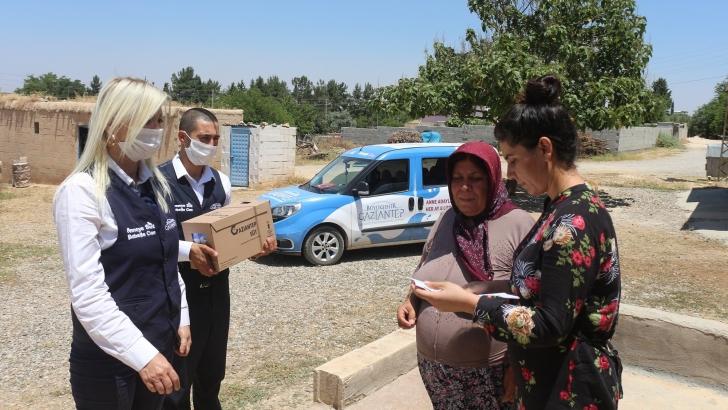 """Büyükşehir """"anneye süt bebeğe can"""" ile 2 milyon litre süt dağıttı"""