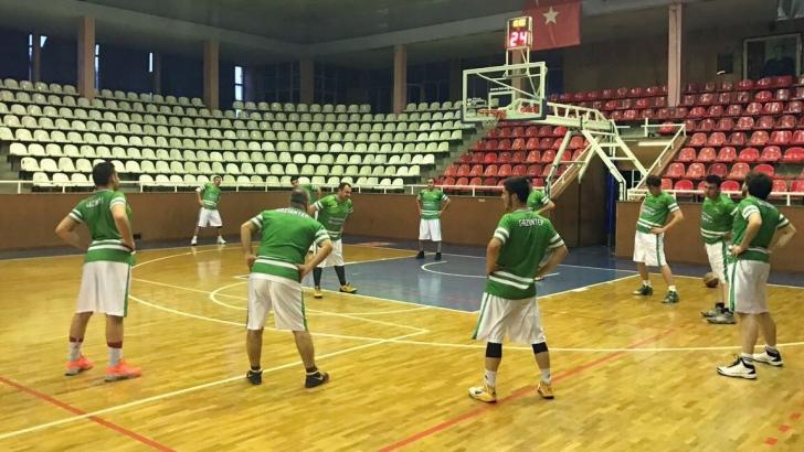 Şehitkamil'de basketbol heyecanı yaş sınırı tanımıyor