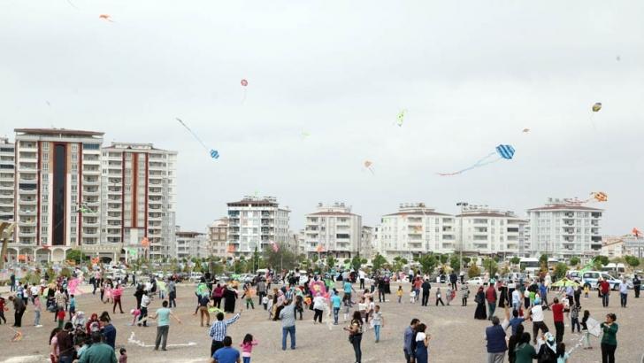 Şahinbey Belediyesi uçurtma şenliği düzenliyor
