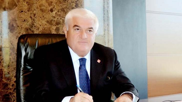 """Ekici: """"Türkiye'ye dönmeyen kamu görevlileri kimler?"""""""