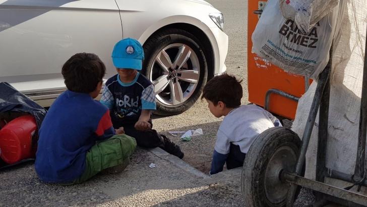 Suriyeli çocuklar yürekleri sızlattı