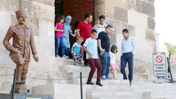 Gaziantep kalesine yoğun ziyaretçi
