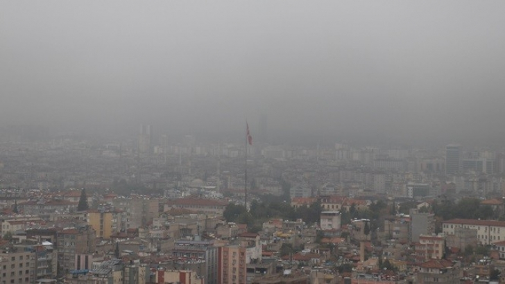 Gaziantep'i sis kapladı
