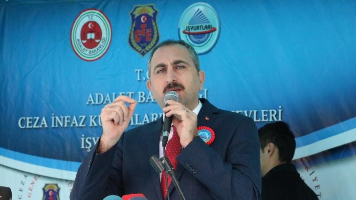 Bakan Gül'den CHP'li Tezcan'a sert tepki