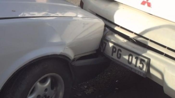Çaldıkları araçla kaza yapıp yakalandılar
