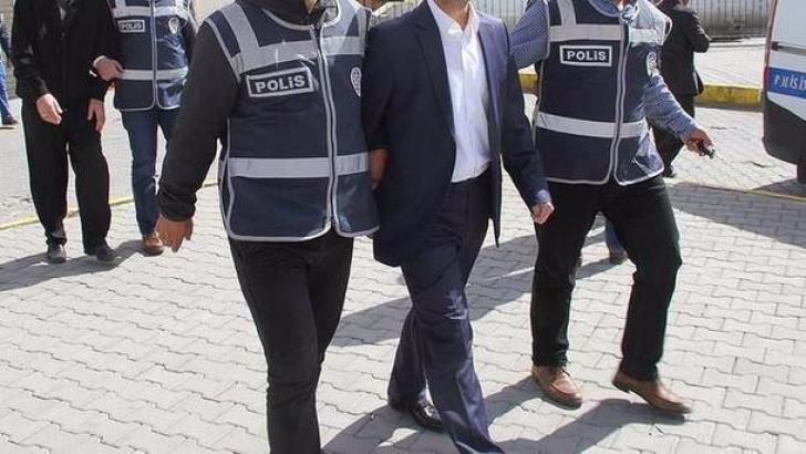 FETÖ'nün mahrem evlerine operasyon: 15 gözaltı