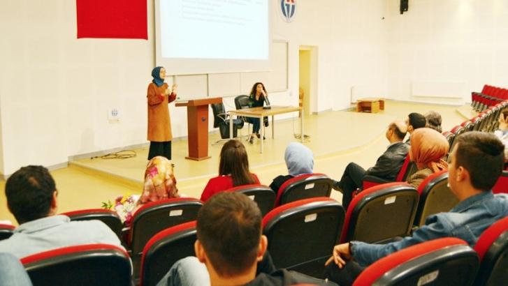 İslahiye İİBF öğrencilerine ilk yardım semineri