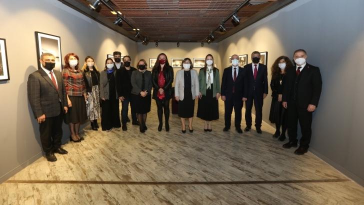 """""""SES'SİS ZAMANLAR FOTOĞRAF SERGİSİ"""" ZİYARETÇİLERİNE KAPISINI AÇTI"""