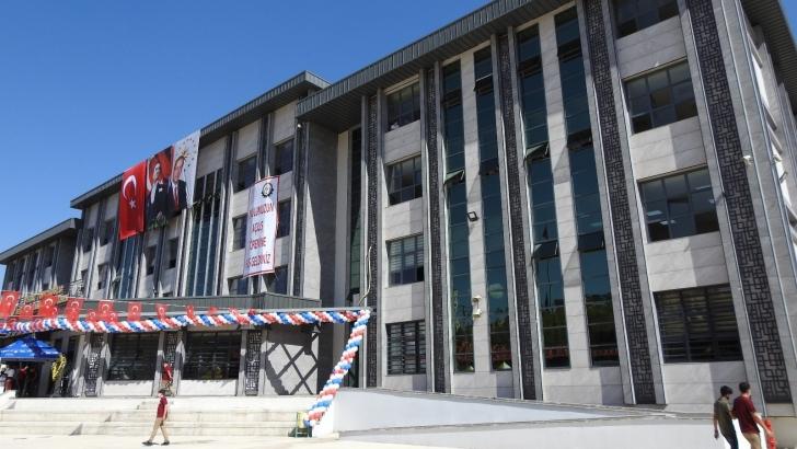 Topçuoğlu'ndan Gaziantep'e bir okul daha