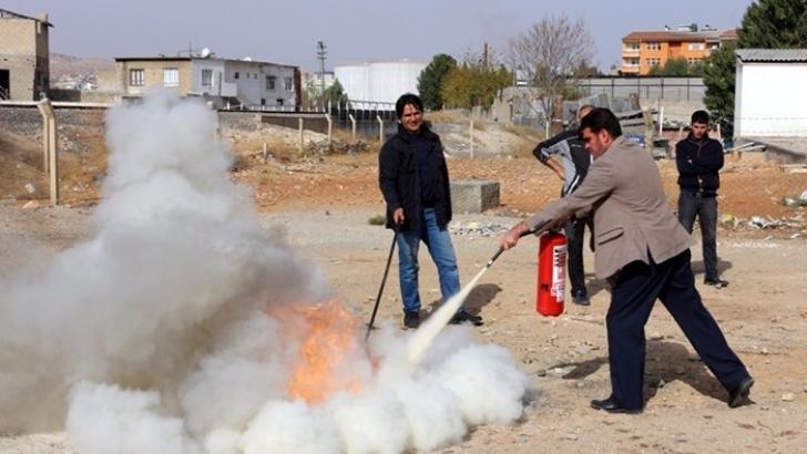 Nizip Ticaret Odası'nda Yangın Eğitimi ve Tatbikatı